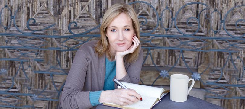 J. K. Rowling doa mais de 16 milhões de dólares